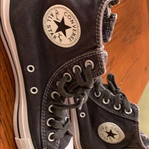 Chuck Taylor's converse all stars